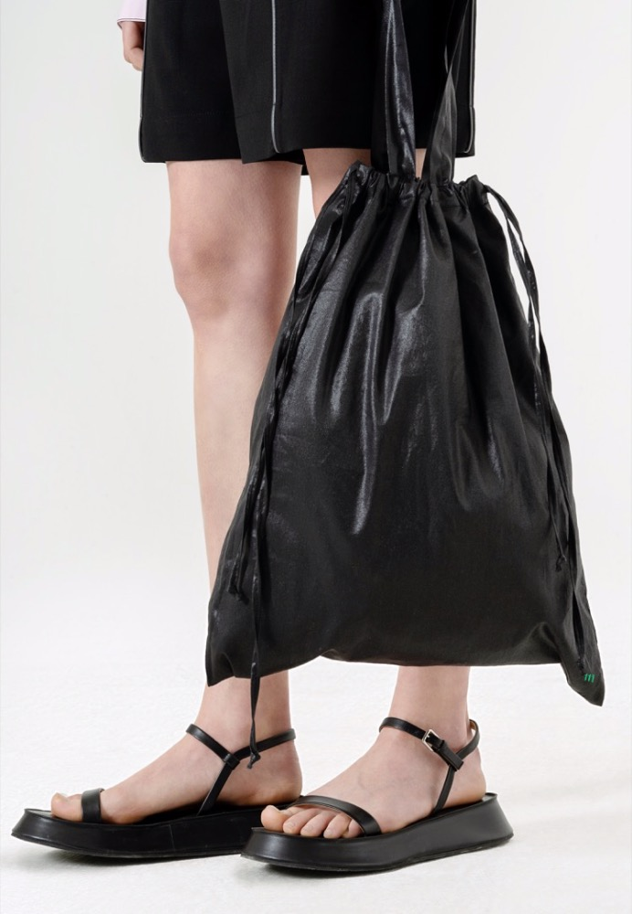 DRAWSTRING TOTE BAG(BLACK)