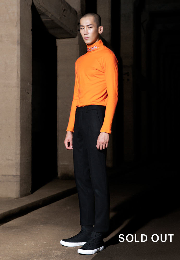 NEVER MODERN TURTLENECK(ORANGE)